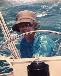 Jacques with his usual outfit (cap and suntan lotion clearly on face) on Océane 1 in approx 1988